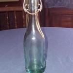 Antigua botella de agua oxigenada