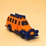 K91-32b Autobús escolar amarillo y azul