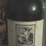 botella grande con etiqueta